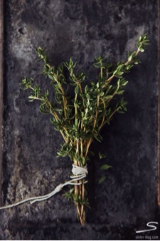 me thyme sprigs